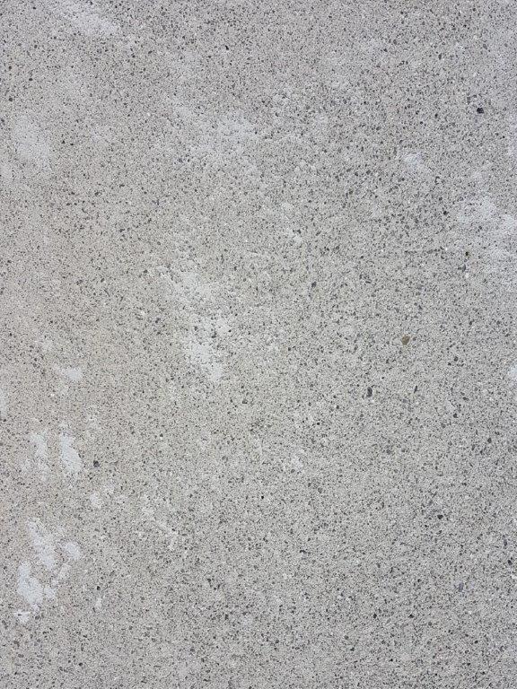 Nr.5 - leichter Sandschliff mit bewusster Fleckengestaltung, 2% Titandioxid.
